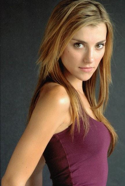 Emma Lahana 1