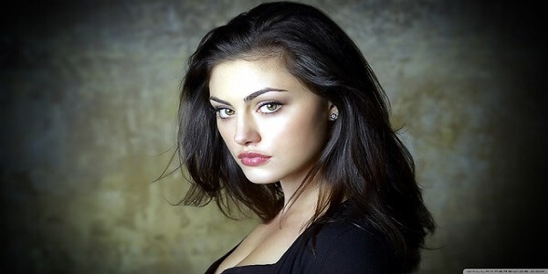 Biography of Phoebe Tonkin Phoebe Tonkin Movies, Family, Boyfriends and More
