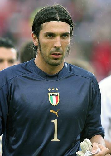 Gianluigi Buffon1