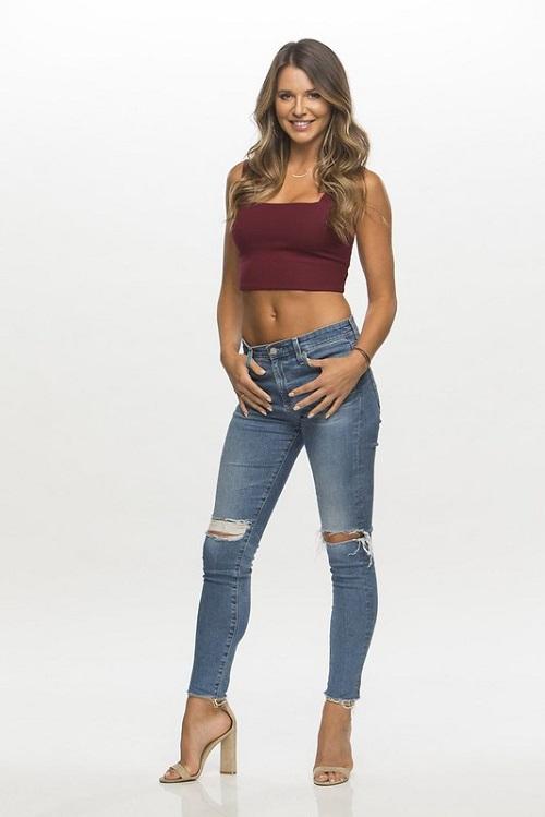 Model Angela Rummans