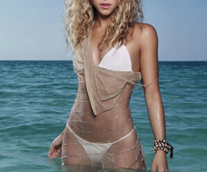 Colombian singer, songwriter, actress, director, record producer, dancer, and philanthropist Shakira Biography!!!!