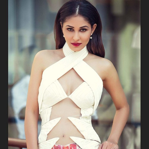 Pooja Chopra Biography Birthday, Childhood, Family, Education, Career, and many more!